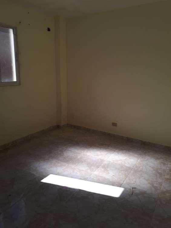 Alquiler apartamento sin amueblar, 2 habs, 2 nivel, gazcue