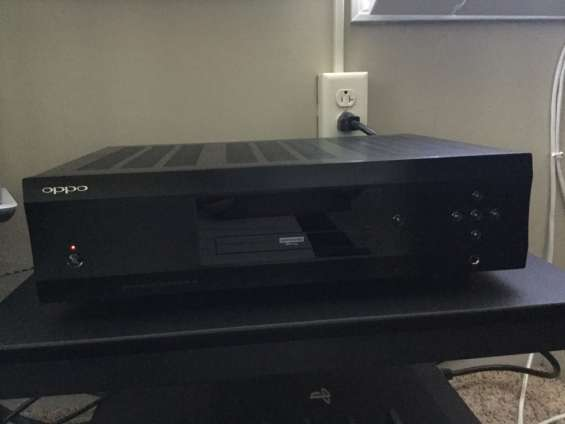 Fotos de Am selling my  used oppo udp-205 4k blu-ray player 1