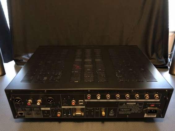 Fotos de Am selling my  used oppo udp-205 4k blu-ray player 3