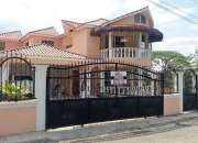 Casa de venta en zona residencial con excelente ubicación en jarabacoa rmc-149