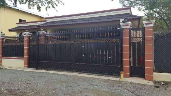Casa amplia de venta en jarabacoa rmc-119