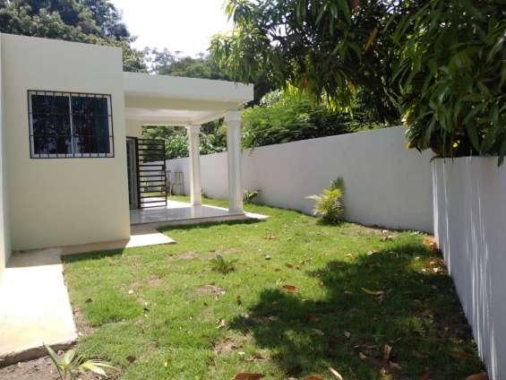 Preciosa casa en venta en urbanizacion valle verde i