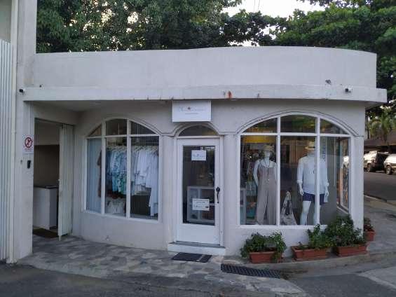 Renta locales en el centro de cabarete (tienda y otro) se alquilan a partir del 1 de marzo
