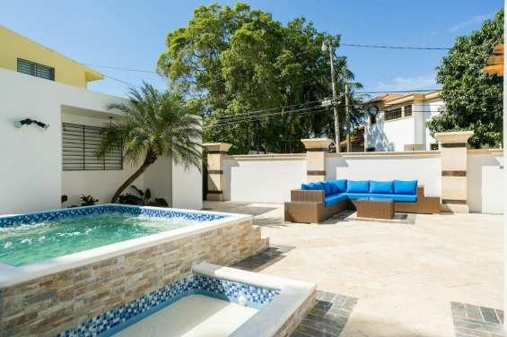 Casa amueblada con piscina dorado 5hab
