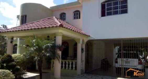 Casa en venta en jarabacoa. rmc-164