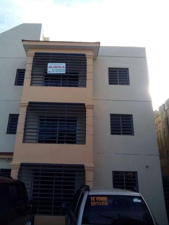 Se alquila apartamentos de 2 piso