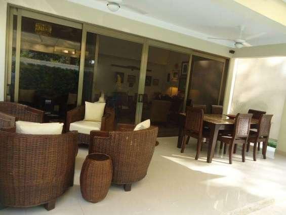 Elegante casa en venta en los laureles, santiago