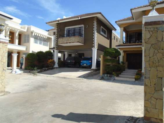 Casa en venta embrujo iii, 310 mts, santiago r.d.