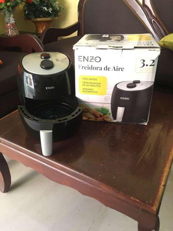 Freidora de aire caliente de 3.2 litros
