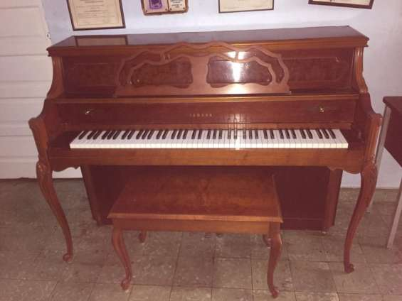 Piano yamaha m500 p, piano vertical roble claro