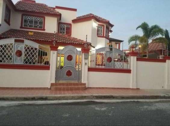 Esta hermosa casa espera por ti en los reyes !!!!
