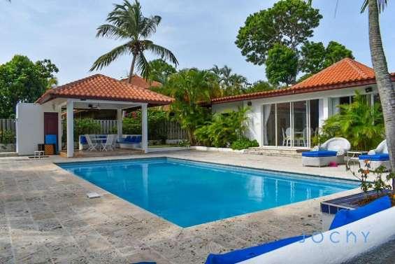 Jochy real estate vende villa en casa de campo, la romana, república dominicana