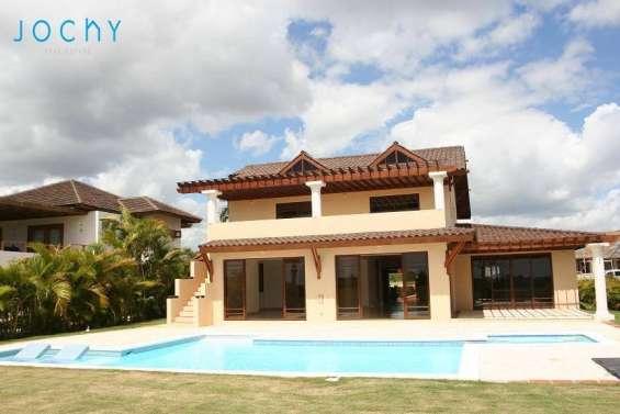 Jochy real estate vende hermosa villa en casa de campo